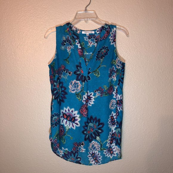 Rose and Olive Floral Sleeveless Shirt Sz XS